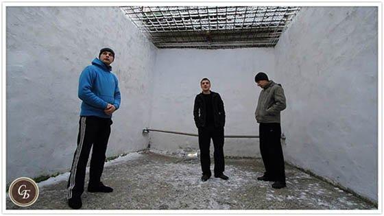 Тюремный дворик